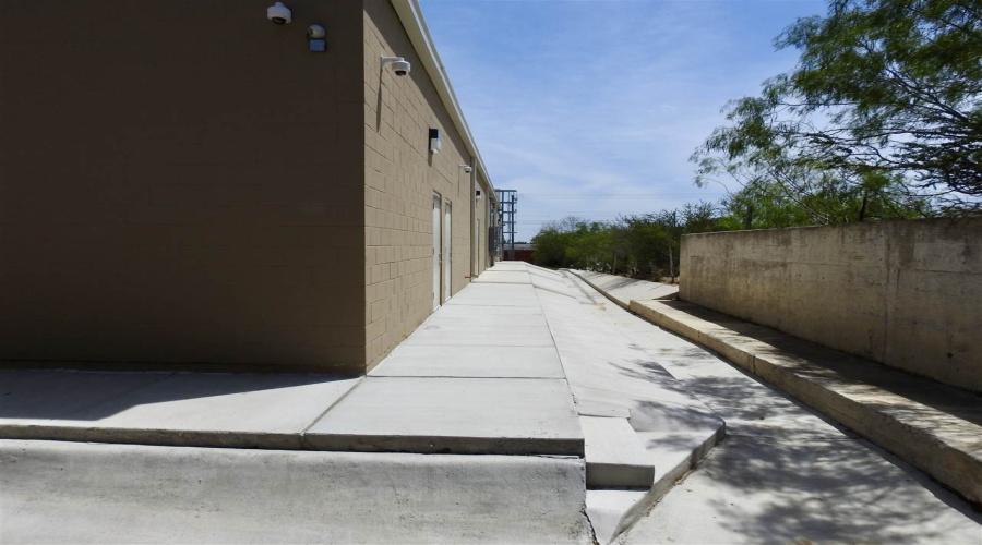 3120 Pita Mangana Rd,Laredo,Texas 78046,6 Rooms Rooms,Commercial retail/office,3120 Pita Mangana Rd,20201684