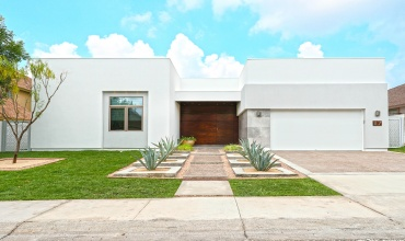 117 Yellowstone,Laredo,Texas,4 Bedrooms Bedrooms,2 Rooms Rooms,Residential,10000001